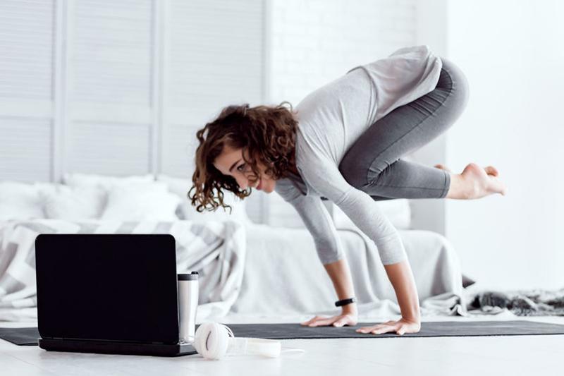 Yogales online met Babette Bremer