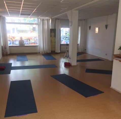 Yogalessen Den Haag - Babette Bremer